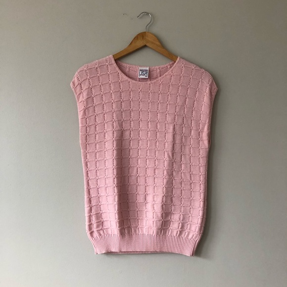 Vintage 80s pink sleeveless sweater top